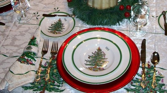 This Spode Christmas Tree table is ready for the holidays! #Spode