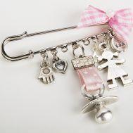 <3 Distintivo para baby shower,