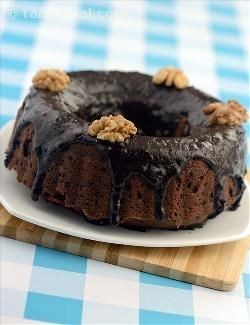 Fudge, with its chewy feel and deeply chocolaty taste, always holds a special place in the minds of kids—and elders too. Here is how you can make fudge-topped chocolate cake quite easily at home. Do sprinkle a lot of walnuts on top, as it offers a much-needed crispy break in the midst of an all-chocolaty preparation.