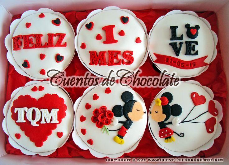 Cupcakes x6 personalizados. Tema: Besito de aniversario Mickey y Minnie Mouse en…