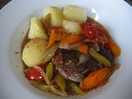 Beef and Vegetable Stew with Garlicky Grits - Nutritional Facts per serving  CALORIES    426.7 CAL  FAT15.6 G  SATURATED FAT3.2 G  CHOLESTEROL55.3 MG  SODIUM574.7 MG  CARBOHYDRATES39.1 G  TOTAL SUGARS8 G  DIETARY FIBER3.4 G  PROTEIN28.2 G