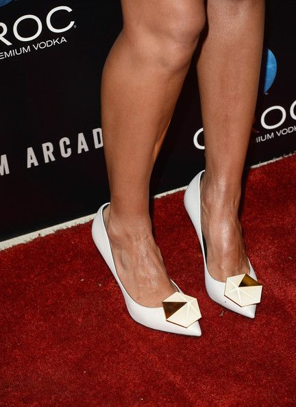 Jessica Alba Photos Photos - Actress Jessica Alba (fashion detail) attends the premiere of The Film Arcade's 'A.C.O.D.' at the Landmark Theater on September 26, 2013 in Los Angeles, California. - 'A.C.O.D.' Premieres in LA