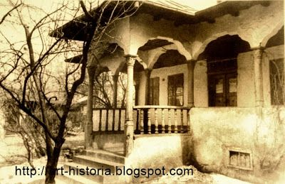 Faimoasa casa din str. Mircea Voda nr 51, una din cele mai frumoase exemplare de casa de targovet din Bucuresti. http://art-historia.blogspot.ro/2008/10/case-vechi-cu-pridvor-din-bucuresti.html