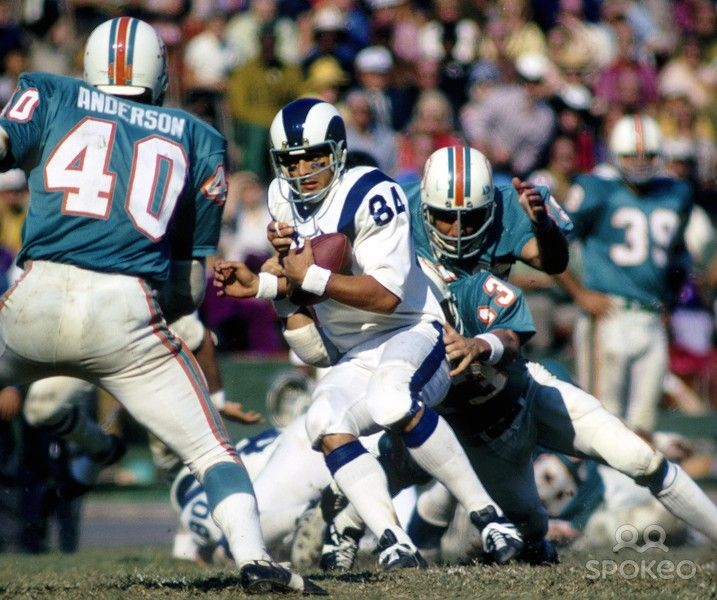 Rams - Dolphins in the early 70's. A match up of two of the best uniforms in NFL history.