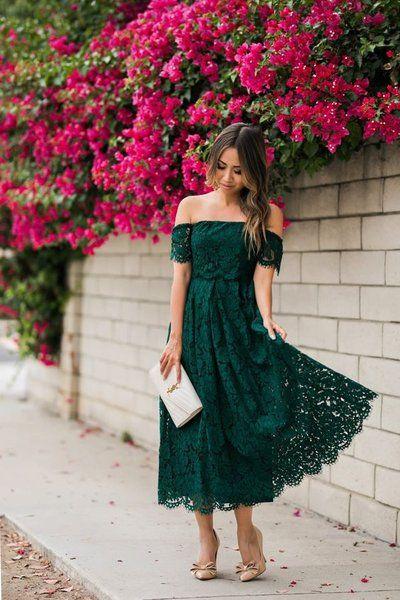 Zielona, koronkowa sukienka