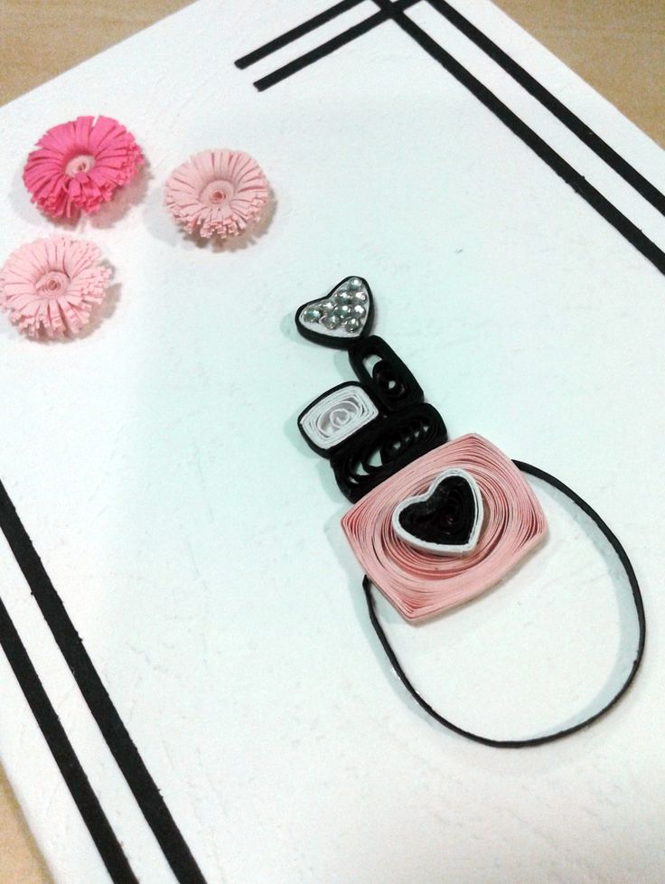 Smile for the little quilled camera! Love, Alina Papercrafted ♡