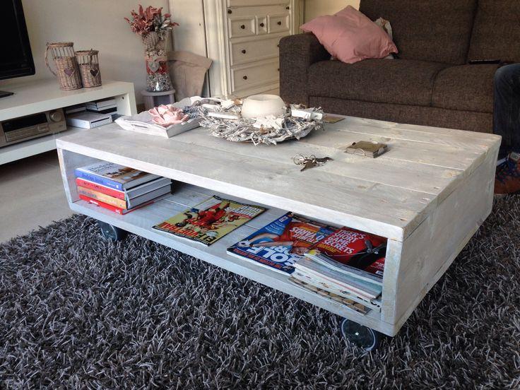 Salon tafel van grey wash steigerhout