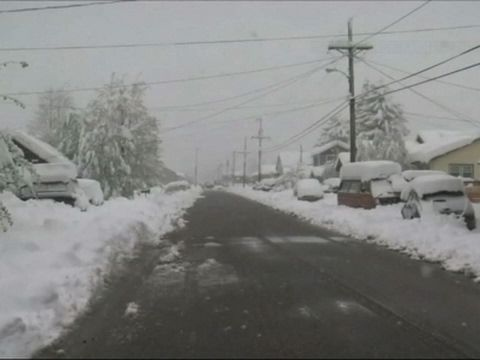INC NEWS: Raw: May Storm Dumps Two Feet Of Snow In Colo.