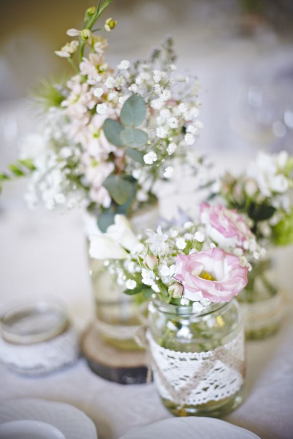 ślub_agnieszki_i_wacława_kwiaty_w_wazonach