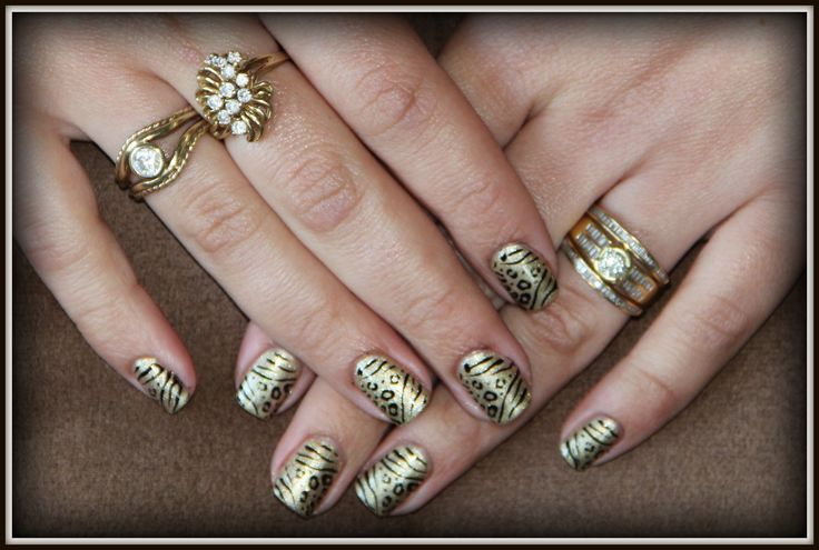 Gelish Meet the King with stamping