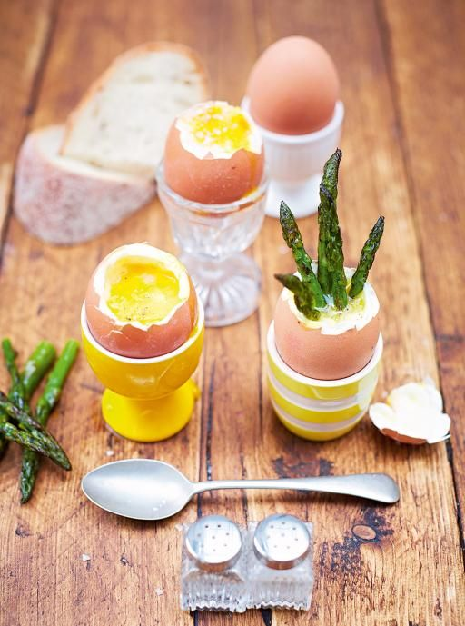 Dippy Eggs & Asparagus Soldiers http://www.jamieoliver.com/recipes/eggs-recipes/kerryann-s-dippy-eggs-asparagus-soldiers/?utm_content=bufferfc1b7&utm_medium=social&utm_source=pinterest.com&utm_campaign=buffer#LGgizOZD7uiwK7cv.97