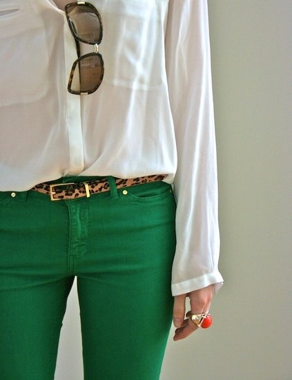 Green, leopard, white combination! I need to get some green jeans this fall.