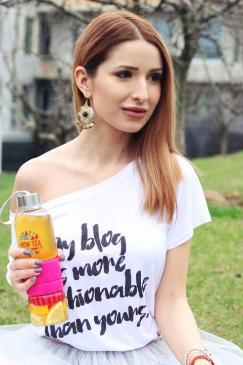 Deea cu tricoul meu: https://www.facebook.com/Xcentricabydeeacodrea  Tricou: http://www.tshirt-factory.ro/blogging/my-blog_6110/  #blogger #fashionblogger #tshirt #mypetitegiraphe