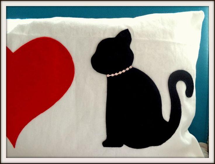 Kedi Aplikeli Kırlent Zet.com'da 35 TL