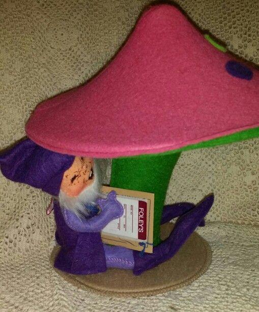 Annalee 1992 Elf under Mushroom