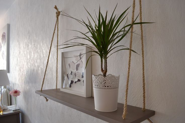 Nouveau post sur mon blog :  Créer une étagère balançoire avec de la corde.... simple, pas cher et trop chou ! http://bereadiy.wix.com/bereadiy#!etagere-corde/c1qjx