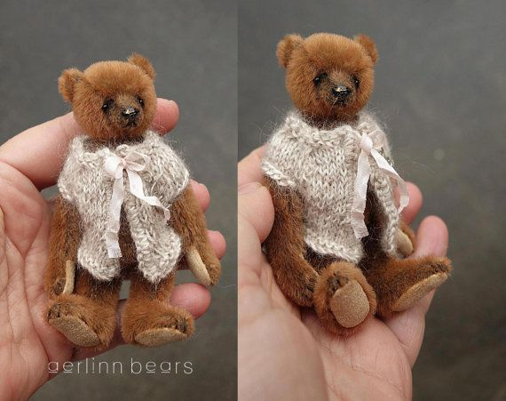 Miniature bear Pippi is fully jointed, hand sewn in caramel brown sassy mini bear fabric & ultra suede pads. Wears a knitted wool/alpaca jacket.  Standing approx 4  , 10.3 cm tall.  Onyx bead eyes and a stitched waxed varnished nose.   This Bear has been made and designed by me Esther Pepper from a non smoking home, a collectible and not suitable for children.  I use Standard International service. This will give proof of posting with end-to-end tracking. Free shipping within Australia. I…