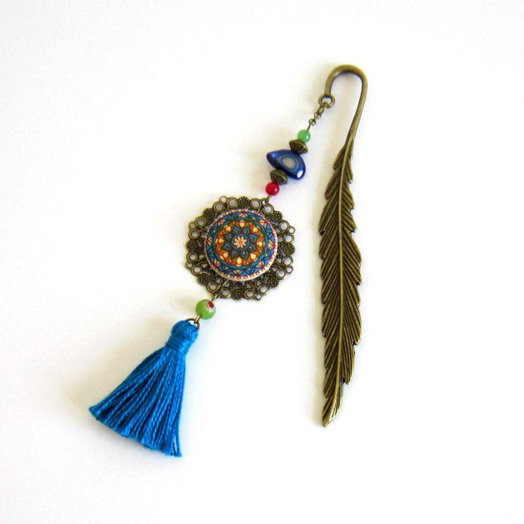 Marque-page gypsy bohème plume bronze, bleu, vert, rouge, cabochon mandala coton, pompon fait main : Marque-pages par color-life-bijoux