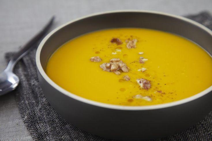 Soupe de potimarron et croquant de pomme Ariane et noix