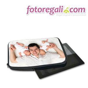 IDEA REGALO N. 5 - Per un papà iper tecnologico crea e personalizza una pratica custodia per tablet o pc. La trovi qui:   http://www.fotoregali.com/cover/tablet