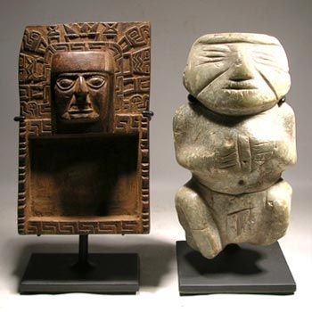 Custom display stands for a wooden Tiwanaku snuff tray and a Chontal (Guerrero) stone figure