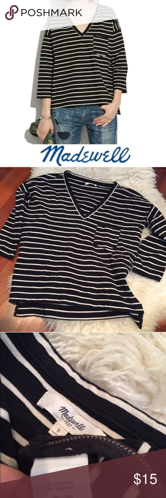 Madewell Side Zip Slub Ponte V-Neck Top Madewell Side Zip Slub Ponte Striped V-Neck Top. 20 inch bust. 22 inches long on the front, 24 inches long in the back. Zippers on the front side. Cream and black. Gently worn. Great condition. Feel free to make an offer or bundle & save! Madewell Tops