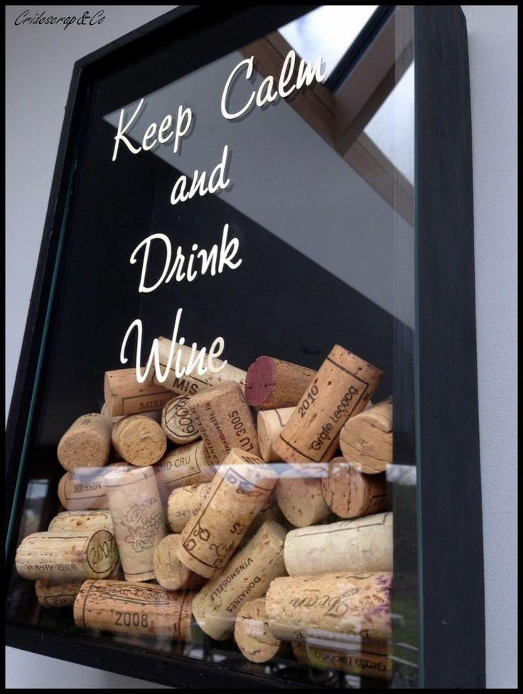 """Aujourd'hui une création qui s'adresse à tous ceux, et ils sont nombreux, qui apprécient ce délicieux nectar qu'est le bon vin. Un cadre noir de 8 cm d'épaisseur rempli en partie de bouchons de vin avec sur la vitre transparentes une inscription """"Keep Calm and Drink Wine"""". Sans oublier le lien vers ma boutique: http://www.alittlemarket.com/decorations-murales/cadre_noir_keep_calm_and_drink_wine_-6758715.html Bonne soirée et à bientôt!"""