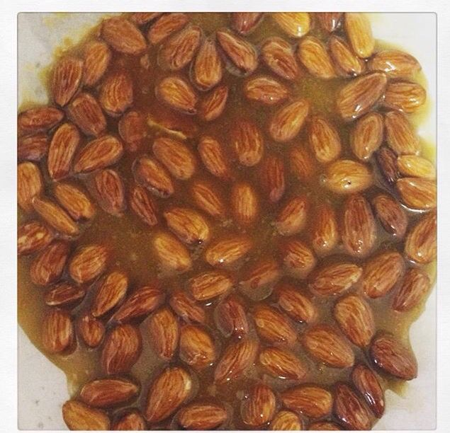 Low carb almond brittle