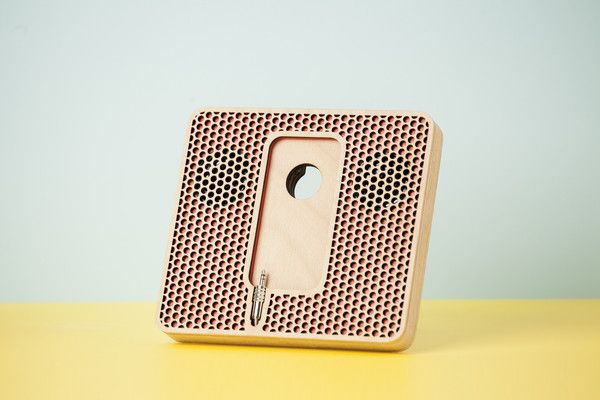 """Wood'd PLAIN POD WITH SPEAKERS """"POIS"""" - RED-"""