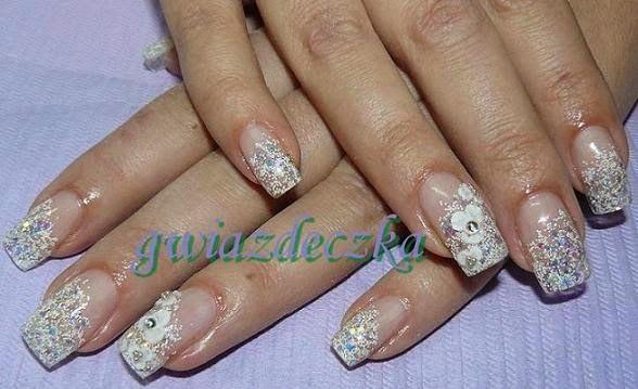 Żelowe paznokcie ślubne – kilka propozycji zdobień.