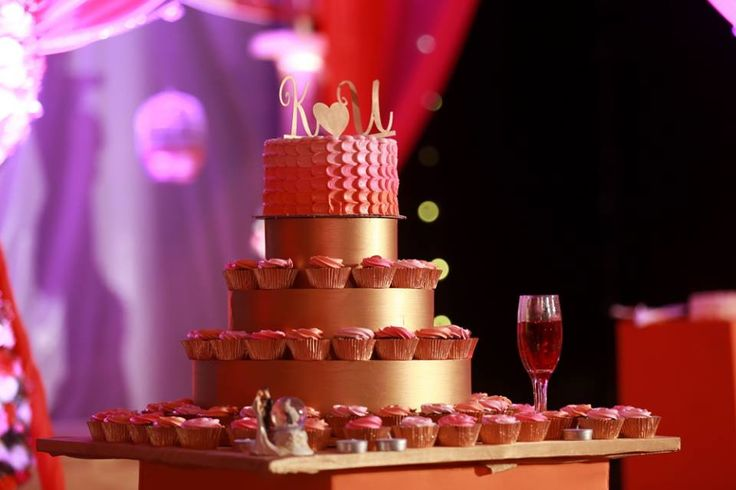 Ombre wedding cake and cupcakes