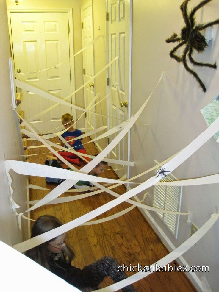 @staciorichards - make this fun 'maze' for the kiddos in the hallway on Halloween!
