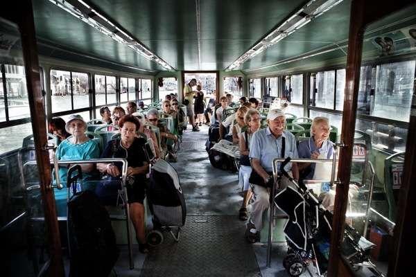 Общественный транспорт Венеции: Вапоретто (речной трамвайчик). Остановки, маршруты и линии движения по каналам