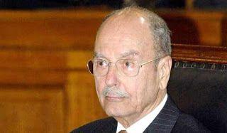 Οι τιμητικοί κανονιοβολισμοί ερρίφθησαν από τον λόφο του Λυκαβηττού ως ένδειξη τιμής στον πρώην πρόεδρο της Δημοκρατίας που έφυγε από την ζωή το βράδυ της Κυριακής σε ηλικία 90 ετών.