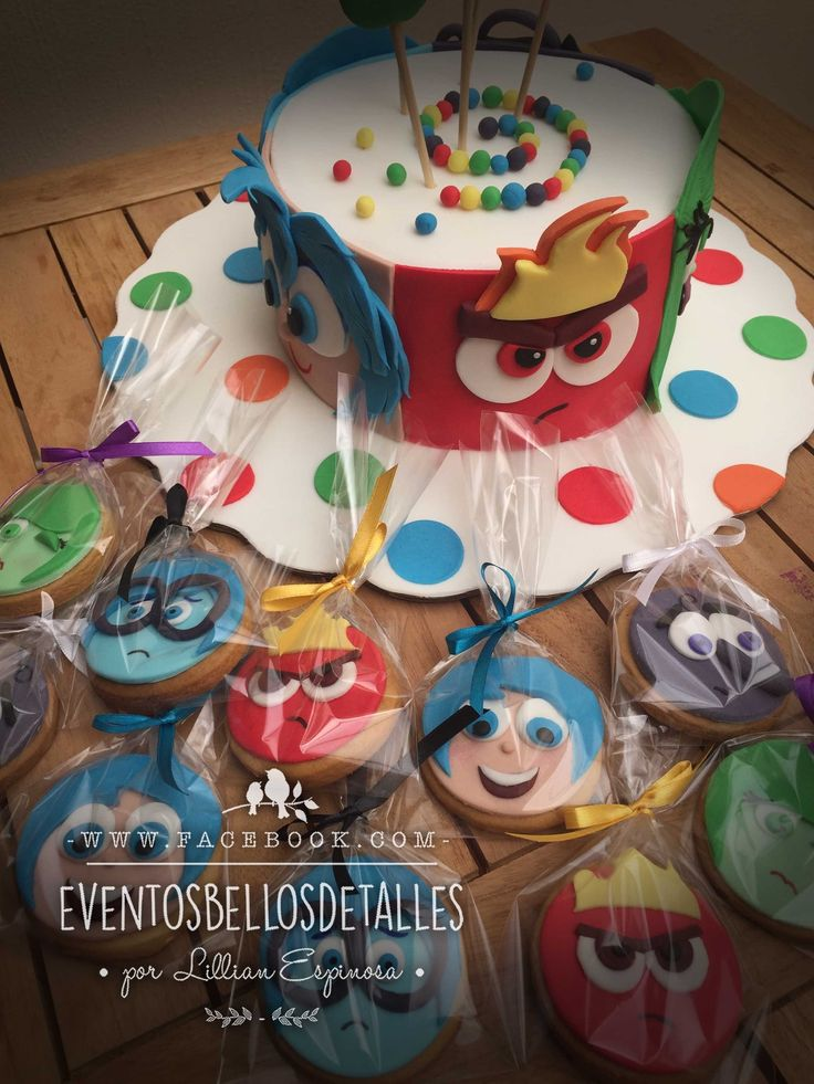 Pastel y galletas de la película Intensamente . Fondant  Inside out cake and cookies  http://www.facebook.com/eventosbellosdetalles