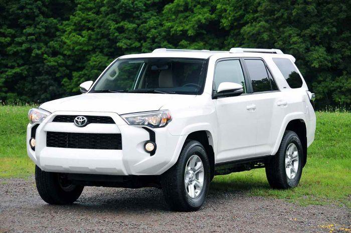 2016 Toyota 4Runner sr5 white