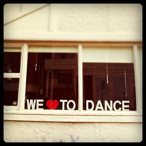 We love to dance in #Bondi Beach!
