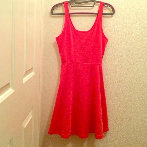 Pink petite dress Pink petite summer dress never worn great condition Express Dresses