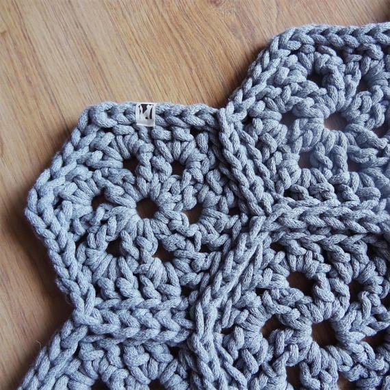 https://www.etsy.com/listing/557371748/crochet-rug-handmade-accessory-modern?ref=related-7