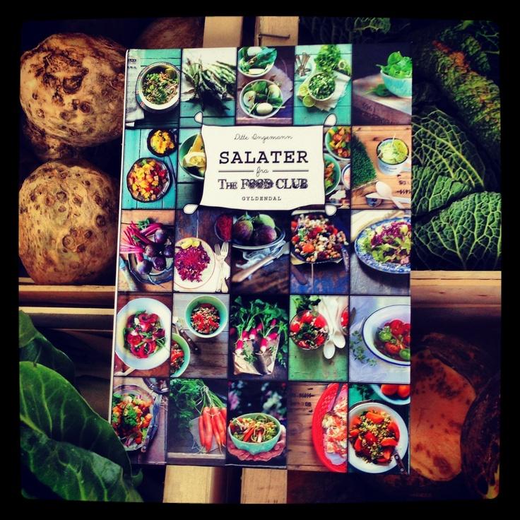 Hvilken salat har du lyst til i dag? Ditte Ingemanns nye bog SALATER FRA THE FOOD CLUB er fuld af sunde og velsmagende salater i de lækreste farver. Klik på billedet og kig i bogen - og få et par af Dittes hit-opskrifter!