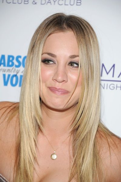Kaley Cuoco layered hair
