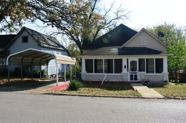 All electric 2 bd, 1 bath home, located in the heart of Poplar Bluff, Missouri, Butler County. Home offers nice space, sunroom and large backyard in Poplar Bluff MO