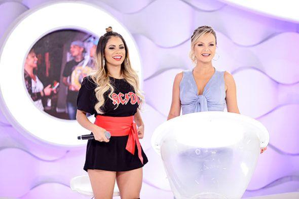 Eliana recebe Gaby Spanic e faz encontro da atriz com fã mirim e também a cantora Lexa