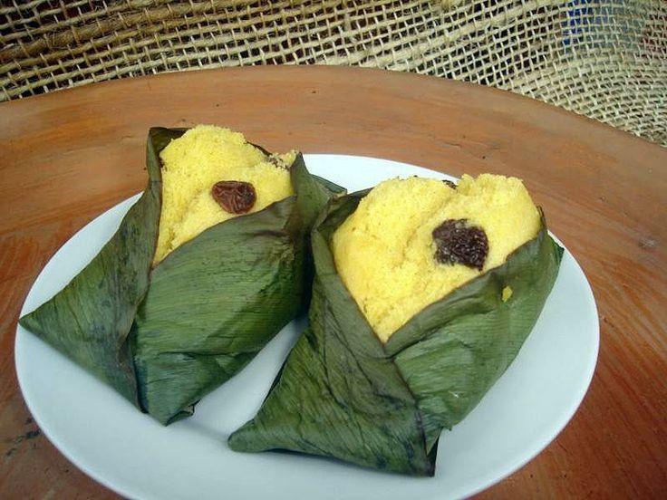 Quimbolitos...lo mejor de la comida ecuatoriana en postres...deliciosos!! Still crave these regularly!