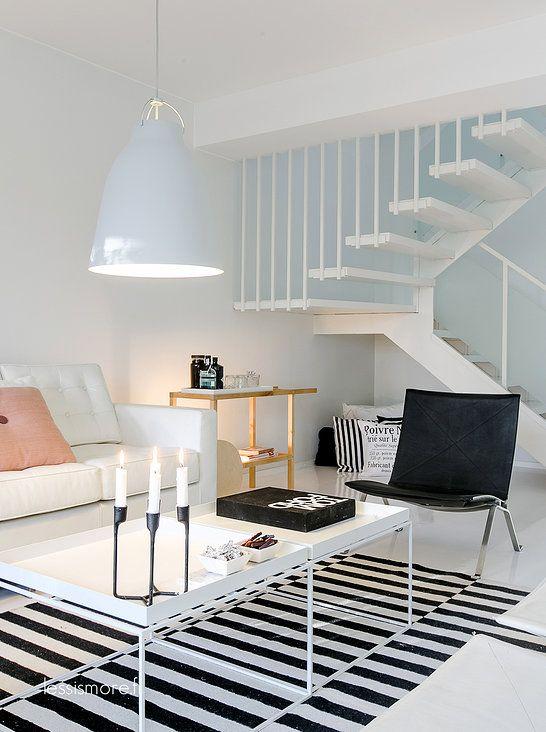 Living Room ǁ Fritz Hansen products: PK22™ by Poul Kjærholm