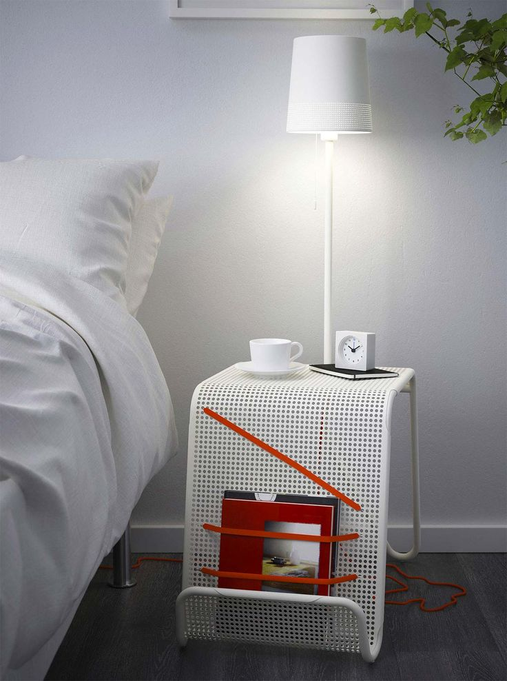 lampe de chevet sans fil ikea stunning le petit mobilier. Black Bedroom Furniture Sets. Home Design Ideas