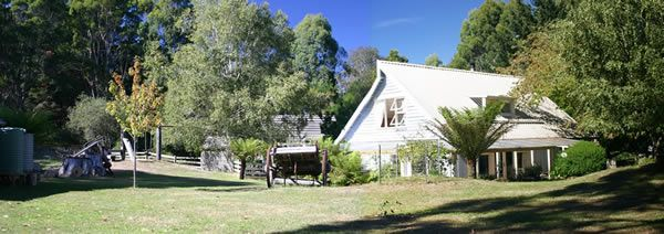Hide-Away Cottage Retreat, Holiday Accommodation in Burnie, #burnie #tasmania #holidays #travel http://www.ozehols.com.au/26 Looking for more accommodation in Tasmania, and in Burnie? check out http://www.ozehols.com.au/holiday-accommodation/tasmania/north-west/burnie