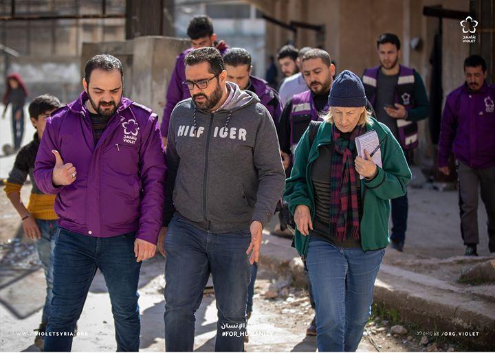 رافقت فرق بنفسج ضمن الأسبوع الماضي عدة صحف ووكالات اعلامية أجنبية في الشمال السوري بهدف تغطية ومناصرة القضايا الإنسانية الت Bomber Jacket Winter Jackets Violet