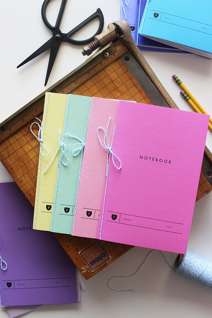 Free printable notebooks with lined paper templates and cover for Back to School! #backtoschool #printables