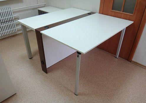 Белый офисный стол современный тренд